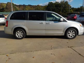 2010 Chrysler Town & Country Touring Fayetteville , Arkansas 4