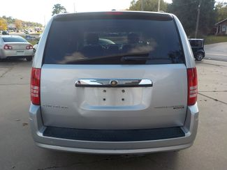 2010 Chrysler Town & Country Touring Fayetteville , Arkansas 6