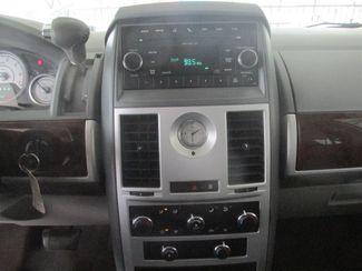 2010 Chrysler Town & Country Touring Gardena, California 6
