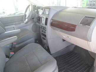 2010 Chrysler Town & Country LX Gardena, California 7