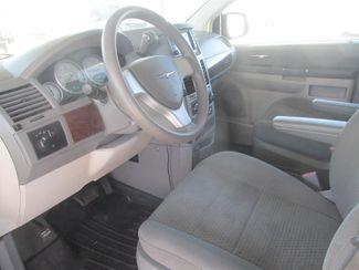 2010 Chrysler Town & Country LX Gardena, California 4