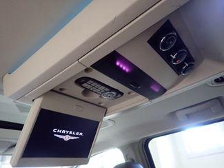2010 Chrysler Town & Country Touring Lincoln, Nebraska 5