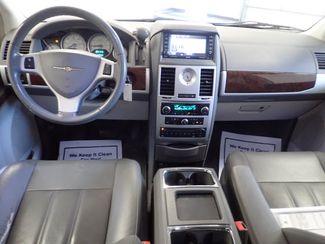 2010 Chrysler Town & Country Touring Lincoln, Nebraska 6