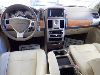 2010 Chrysler Town & Country Limited Lincoln, Nebraska 5