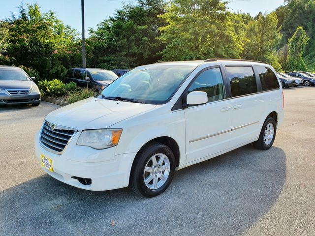 2010 Chrysler Town & Country Touring Stow N' Go w/Power Sliding Doors in Louisville, TN 37777