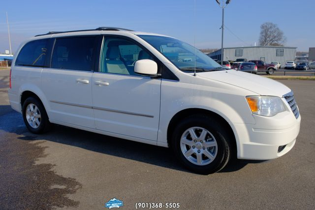 2010 Chrysler Town & Country Touring in Memphis, Tennessee 38115