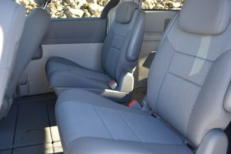 2010 Chrysler Town & Country LX Naugatuck, Connecticut 12