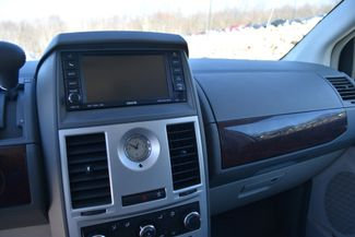 2010 Chrysler Town & Country LX Naugatuck, Connecticut 21