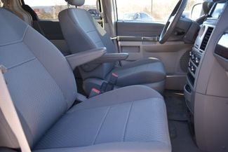 2010 Chrysler Town & Country LX Naugatuck, Connecticut 9