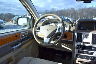 2010 Chrysler Town & Country Limited Naugatuck, Connecticut 15