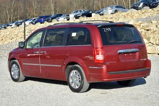 2010 Chrysler Town & Country Limited Naugatuck, Connecticut 2