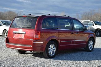 2010 Chrysler Town & Country Limited Naugatuck, Connecticut 4