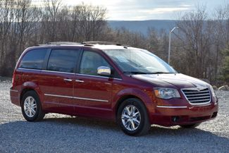 2010 Chrysler Town & Country Limited Naugatuck, Connecticut 6