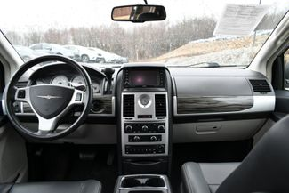 2010 Chrysler Town & Country Touring Naugatuck, Connecticut 14