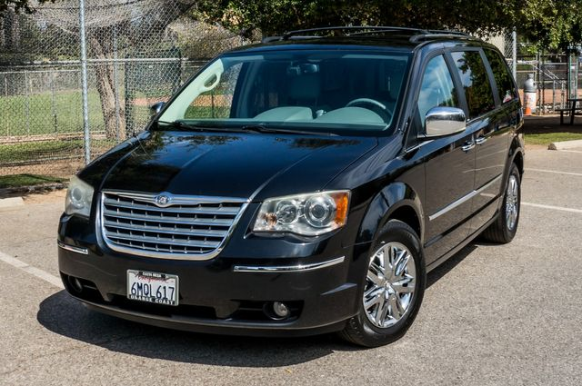 2010 Chrysler Town & Country Limited in Reseda, CA, CA 91335