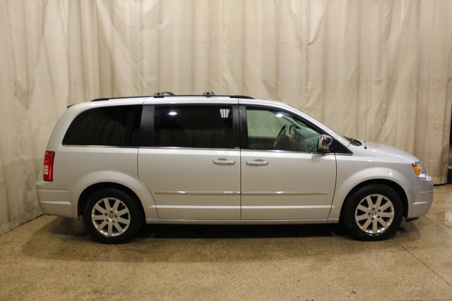 2010 Chrysler Town & Country Touring in Roscoe, IL 61073