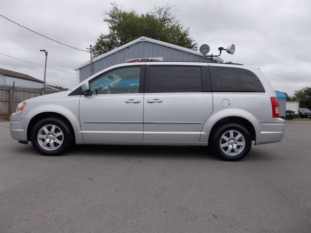 2010 Chrysler Town & Country Touring Shelbyville, TN 1