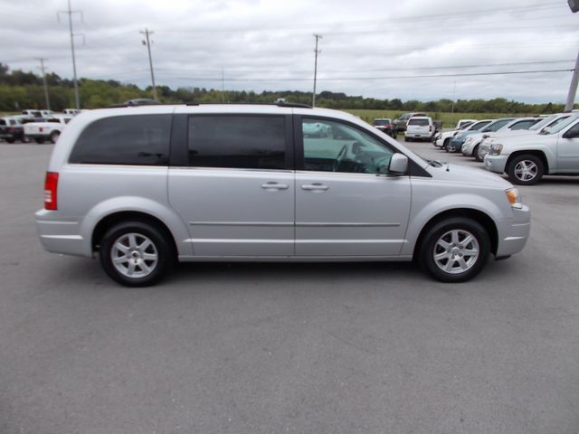2010 Chrysler Town & Country Touring Shelbyville, TN 10