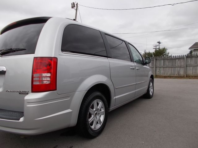 2010 Chrysler Town & Country Touring Shelbyville, TN 11