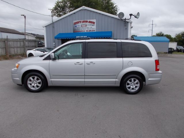 2010 Chrysler Town & Country Touring Shelbyville, TN 2