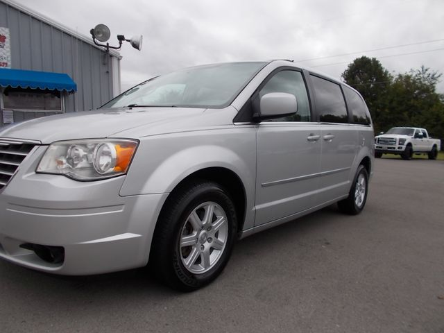 2010 Chrysler Town & Country Touring Shelbyville, TN 5