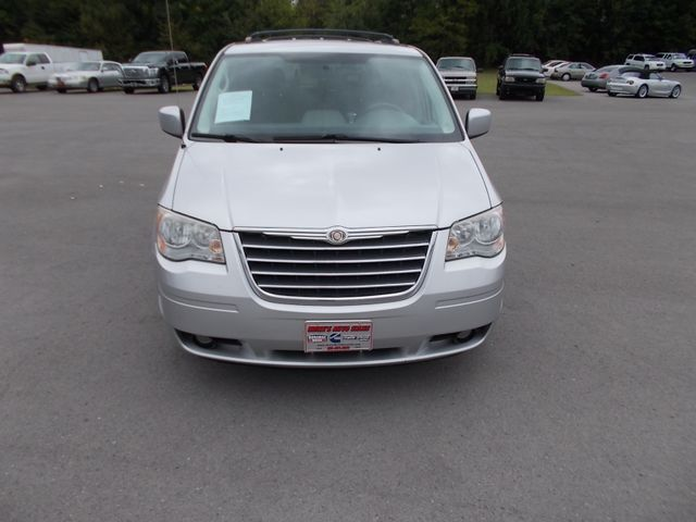 2010 Chrysler Town & Country Touring Shelbyville, TN 7