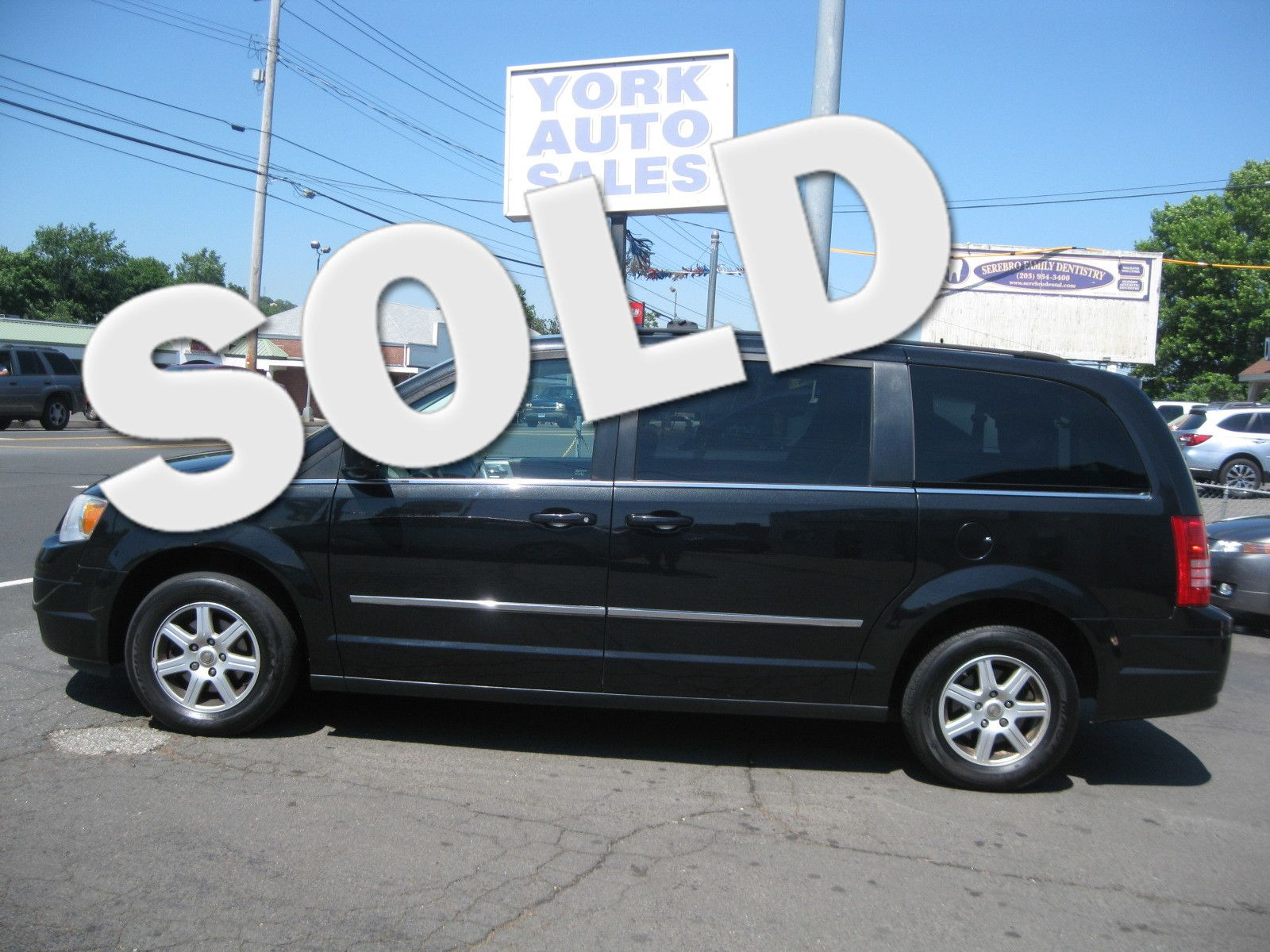 2010 Chrysler Town Country Touring city CT York Auto Sales