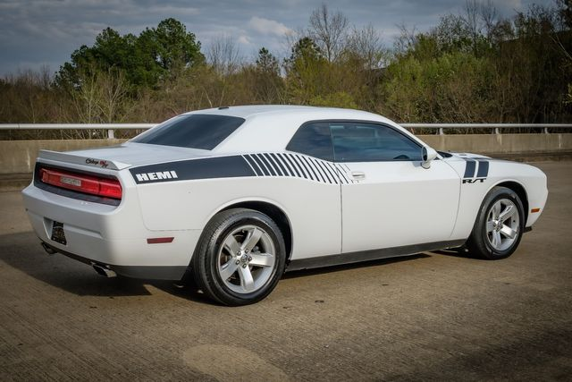2010 Dodge Challenger R/T HEMI V8 SUNROOF LEATHER SEATS in Memphis, Tennessee 38115