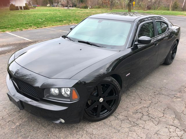 2010 Dodge Charger R/T in Leesburg, Virginia 20175