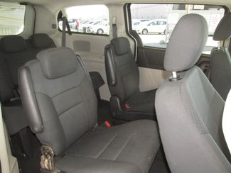 2010 Dodge Grand Caravan SXT Gardena, California 11