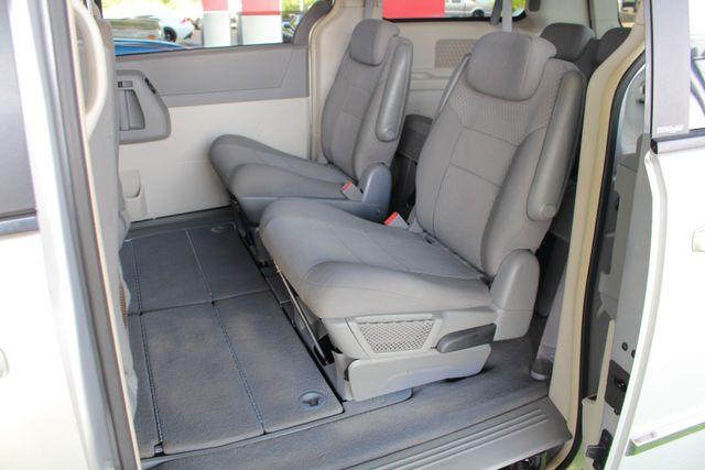 2010 Dodge Grand Caravan SXT FWD - POWER SLIDING DOORS! Mooresville , NC 9