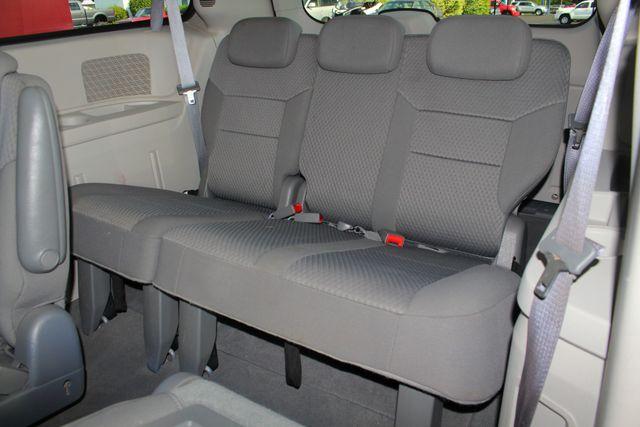 2010 Dodge Grand Caravan SXT FWD - POWER SLIDING DOORS! Mooresville , NC 10