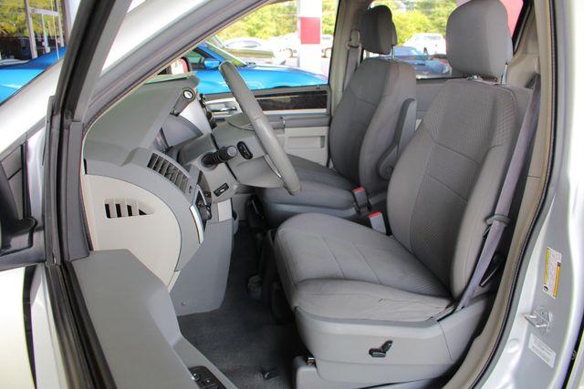 2010 Dodge Grand Caravan SXT FWD - POWER SLIDING DOORS! Mooresville , NC 6