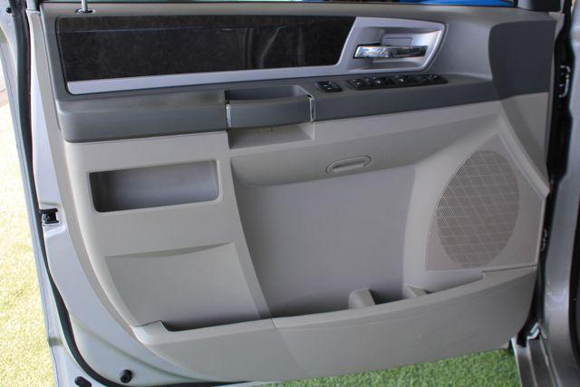 2010 Dodge Grand Caravan SXT FWD - POWER SLIDING DOORS! Mooresville , NC 40