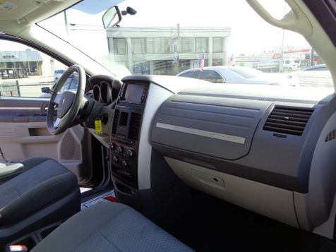 2010 Dodge Grand Caravan Hero | Nashville, Tennessee | Auto Mart Used Cars Inc. in Nashville, Tennessee