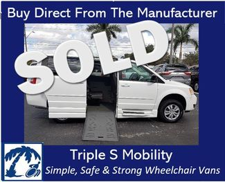 2010 Dodge Grand Caravan Se Wheelchair Van Handicap Ramp Van in Pinellas Park, Florida 33781