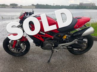 2010 Ducati Monster 696 in Dania Beach , Florida 33004