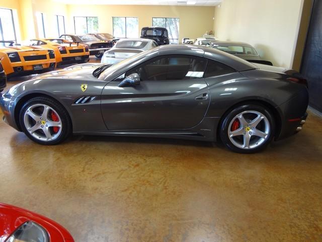 2010 Ferrari California Austin , Texas 13