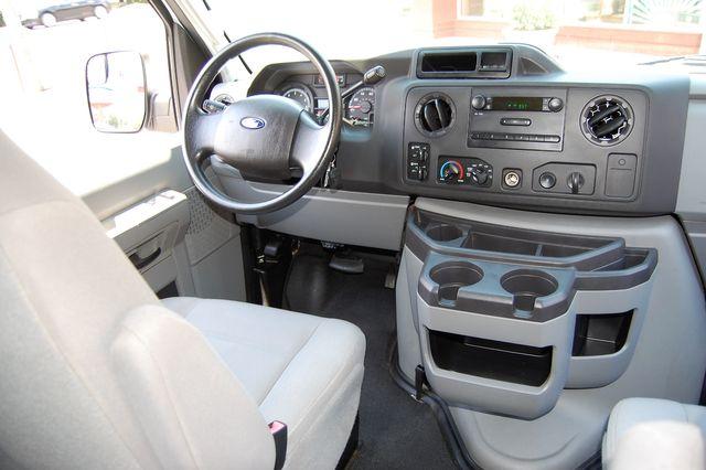 2010 Ford 15 Pass. XL Charlotte, North Carolina 14