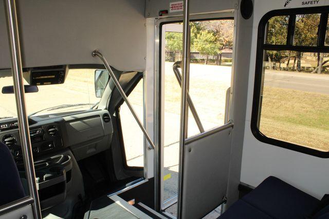 2010 Ford E-450 19 Passenger Starcraft Shuttle Bus W/ Lift Irving, Texas 26