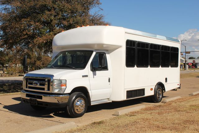 2010 Ford E-450 19 Passenger Starcraft Shuttle Bus W/ Lift Irving, Texas 4