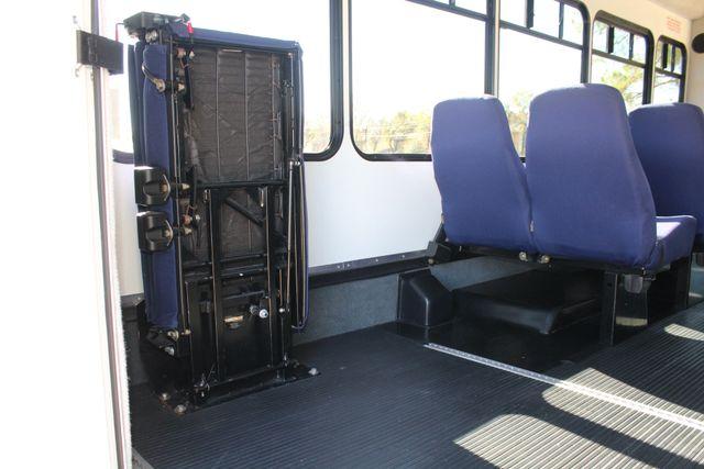 2010 Ford E-450 19 Passenger Starcraft Shuttle Bus W/ Lift Irving, Texas 54