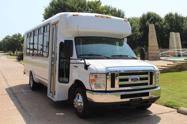 2010 Ford E450 22 Passenger Eldorado Shuttle Bus W/ Rear Luggage Storage Irving, Texas 1