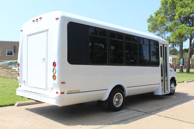 2010 Ford E450 22 Passenger Eldorado Shuttle Bus W/ Rear Luggage Storage Irving, Texas 10