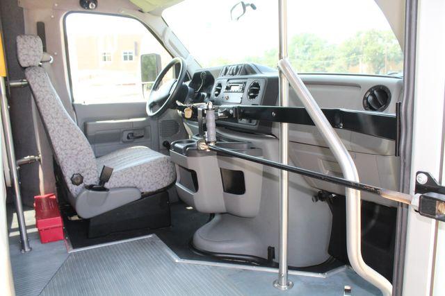 2010 Ford E450 22 Passenger Eldorado Shuttle Bus W/ Rear Luggage Storage Irving, Texas 15