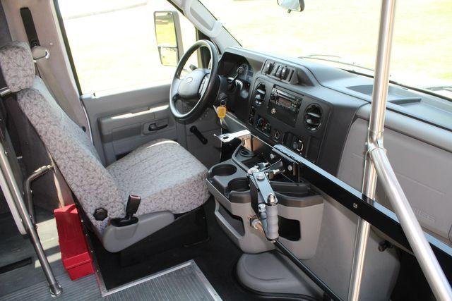 2010 Ford E450 22 Passenger Eldorado Shuttle Bus W/ Rear Luggage Storage Irving, Texas 16