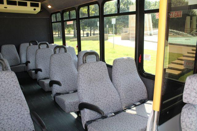 2010 Ford E450 22 Passenger Eldorado Shuttle Bus W/ Rear Luggage Storage Irving, Texas 17