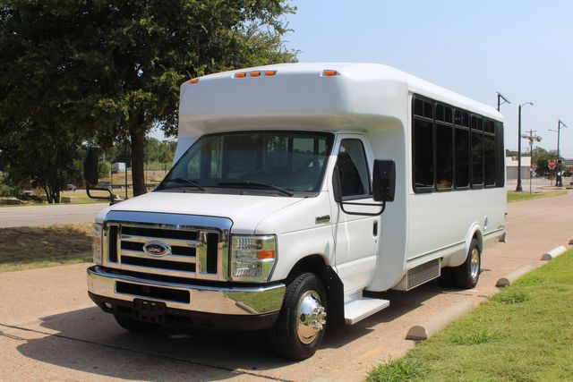 2010 Ford E450 22 Passenger Eldorado Shuttle Bus W/ Rear Luggage Storage Irving, Texas 3