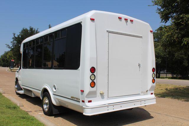 2010 Ford E450 22 Passenger Eldorado Shuttle Bus W/ Rear Luggage Storage Irving, Texas 7