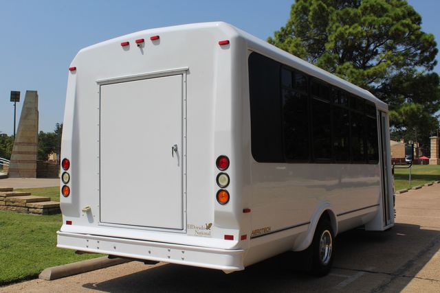 2010 Ford E450 22 Passenger Eldorado Shuttle Bus W/ Rear Luggage Storage Irving, Texas 9